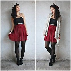 Cute! Oxblood skirt and tights