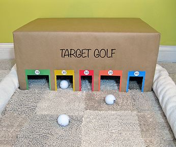 1 carton + des ciseaux + des feutres : un practice de golf / Target golf game. Easy to make, lots of fun.