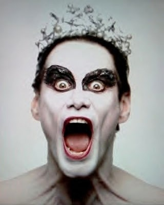 Black Swan: starring Jim Carrey as-- JIM CARREY!?
