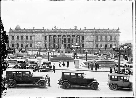 Así era Bogotá hace más de 50 años! - Colombia me gusta - Plaza de Bolívar 1910