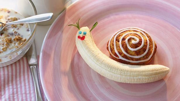 Fun & Easy Mother's Day Breakfast Ideas: Breakfast Escargot #Hallmark #HallmarkIdeas