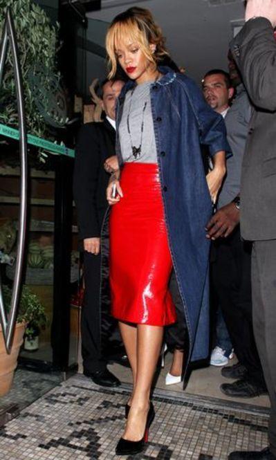 デニムと赤の相性は抜群♡春のファッション アイテム デニムコート コーデを集めました!