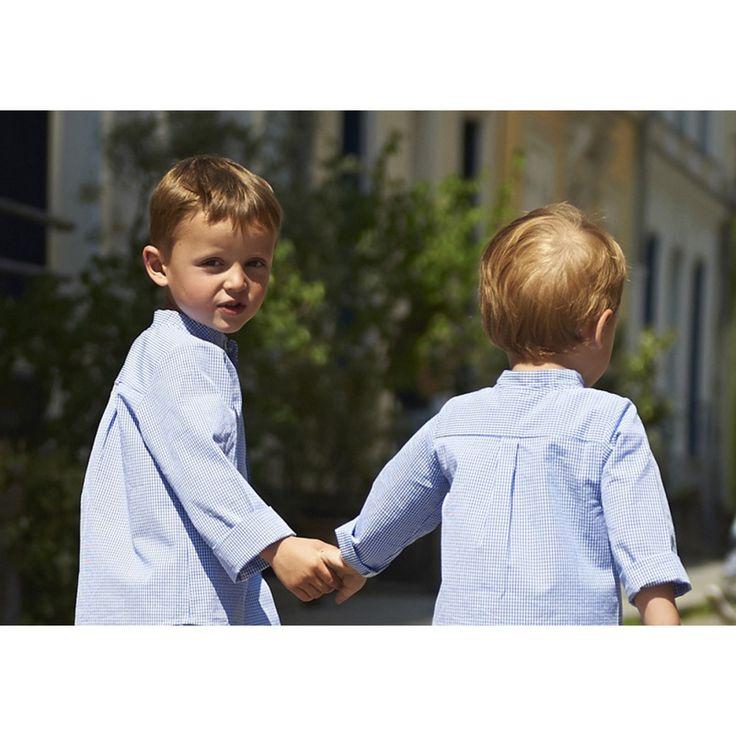Chemise col mao - poche poitrine - boutons en nacre sur le devant