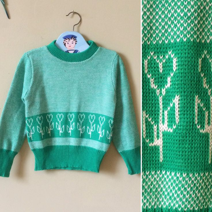 Vintage girls jumper / girls sweater. Childrens vintage clorhes knitwear. 1970s unworn new vintage. Green & white . Age 5 years - age 6 year by YoungTeamVintage on Etsy