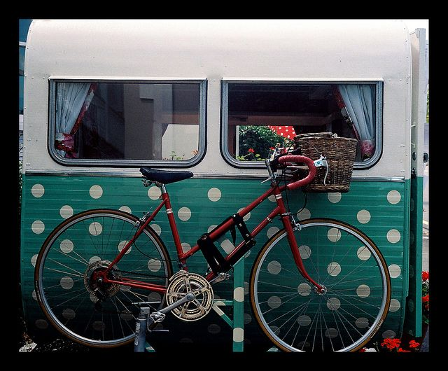 I love this!! And this picture doesn't do it justice, I couldn't get to the one I REALLY liked. LOL.polka dots! #camper #trailer