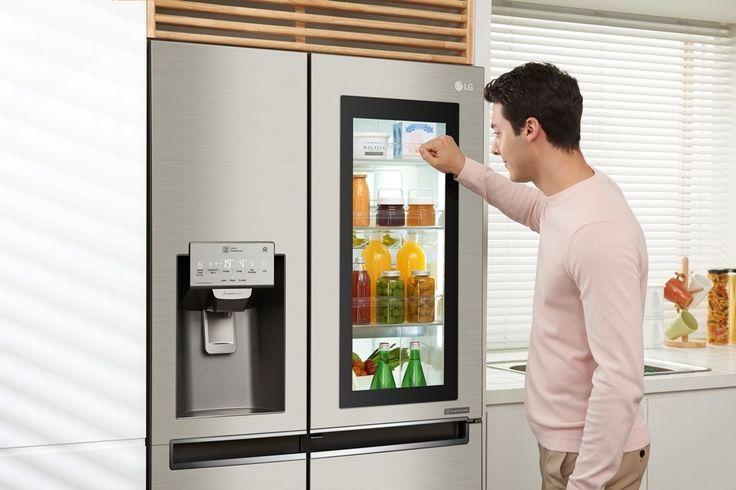 LG już niebawem wprowadzi na polski rynek lodówkę InstaView Door-in-Door. Jej szklany panel z możliwością podejrzenia zawartości lodówki bez jej otwierania uzupełnia możliwość zarządzania urządzeniem… z poziomu telefonu. http://exumag.com/lg-instaview-door-in-door/