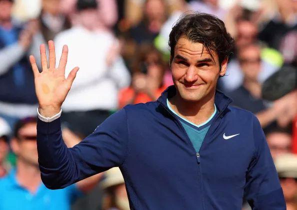 Roger Federer enjoys a delicious Indian meal
