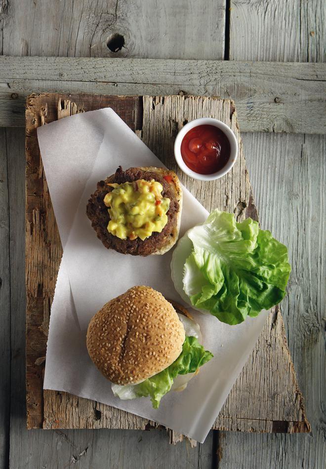 Burger με κιμά από μοσχαρίσιο μαριναρισμένο κρέας