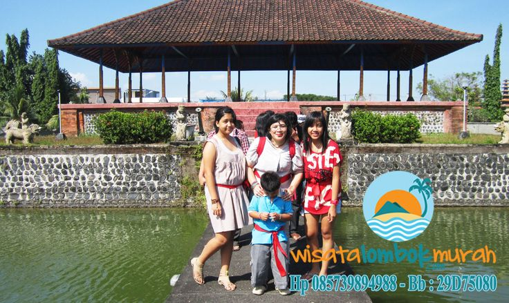 Wisata Taman Mayura Lombok. Pura Taman Mayura terletak di dekat komplek bisnis dan pertokoan di daerah Cakranegara, Mataram. Anda bisa mengunjungi Pura Taman Mayura ini dengan kendaraan pribadi atau umum. Perjalanan ke pura ini hanya sekitar 15 menit dari pusat kota. Yuk kunjungi segera dan ketahui lebih lengkap sejarah objek wisata taman mayura Lombok ini dan pastikan wisata bersama wisatalombokmurah.com ya :) Telpon atau Sms : 085739894988 082236425031 29D75080 #tamanmayura…