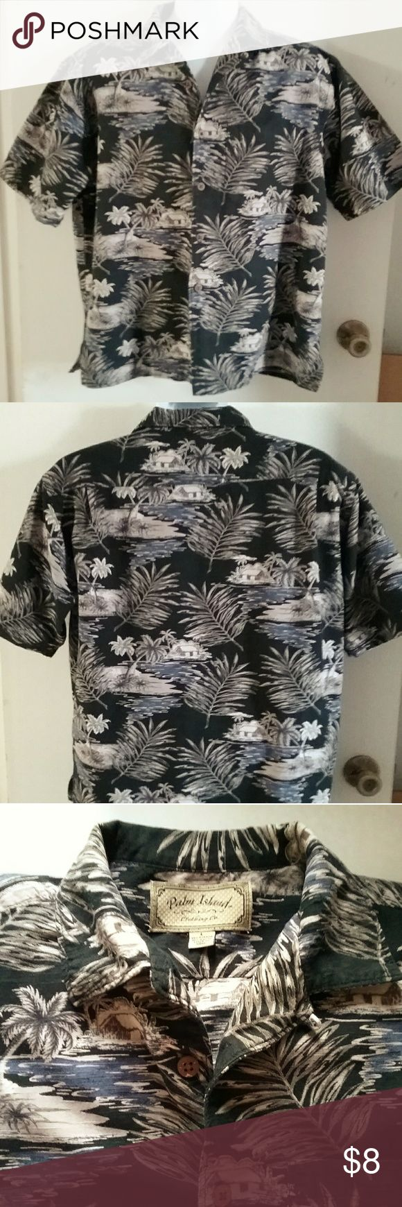 """PALM ISLAND CLOTHING CO Mens Hawaiian Print Shirt Pre-owned mens Hawaiian print shirt🌴good clean condition 🌴size L 🌴21"""" shoulder to shoulder 🌴26"""" shoulder to hem 🌴24"""" underarm to underarm in front 🌴cotton blend🌴black/brown/white/blue Palm Island Clothing Co Shirts Casual Button Down Shirts"""