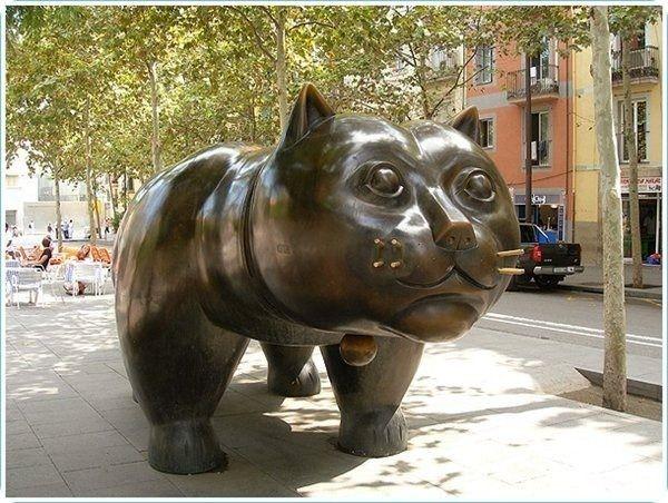 Кот Ботеро – памятник, установленный в Барселоне на Рамбла дель Раваль (Rambla del Raval), подаренный городу колумбийским художником Фернандо Ботеро.