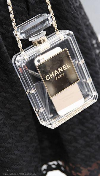 Chanel Bag | Paris Street Style @}-,-;--