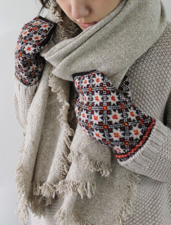 Latvian traditional hand knitted mittens - love love love #Latvia #knit