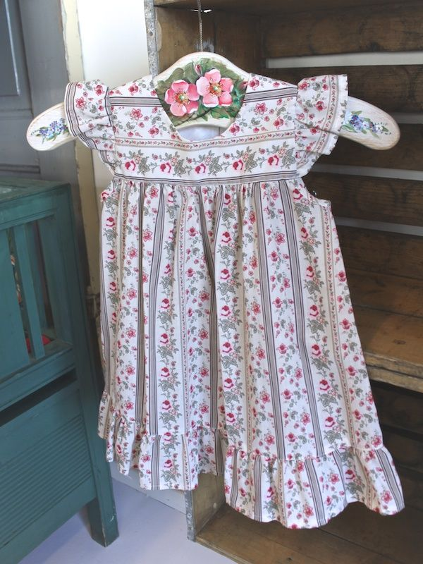 Madickenklänning blommig - Barnkläder - 100 years