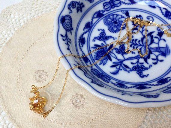 Collana in argento tinta oro con foglia oro di LittleBitBijoux