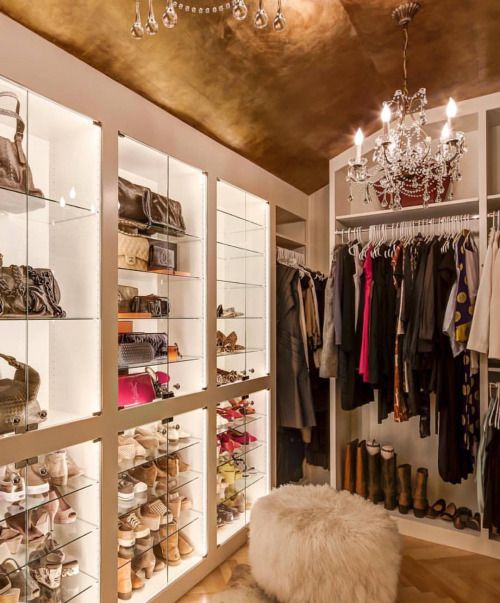 …reason #35 I believe in gold ceilings. #closetgoals