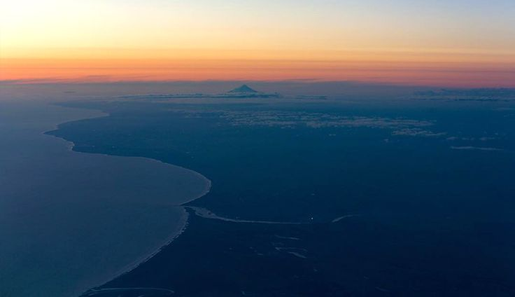 By @danieljtalbot overflying Whanganui at sunset, looking out towards Mount Taranaki. Nice! #visitwhanganui to share your pics :)  #whanganui #newzealand #wanganui #northisland #travelnz #visitnewzealand #newzealandbeauty #whanganuiriver #NZmustdo #kiwi_photos #kiwipics #travelgram #lonelyplanet #nz #sunset #flying #taranaki