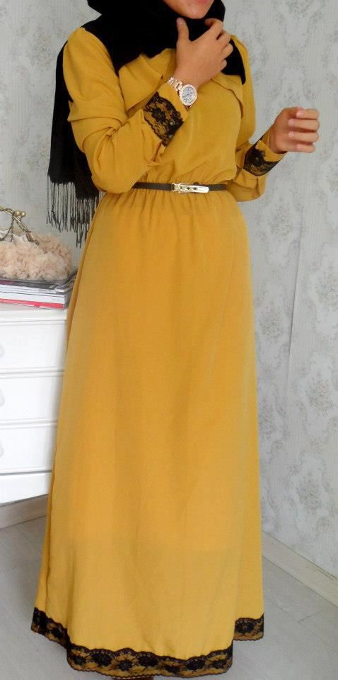 Simple Yellow Longsleeve Dress w/ Black Lace Edging