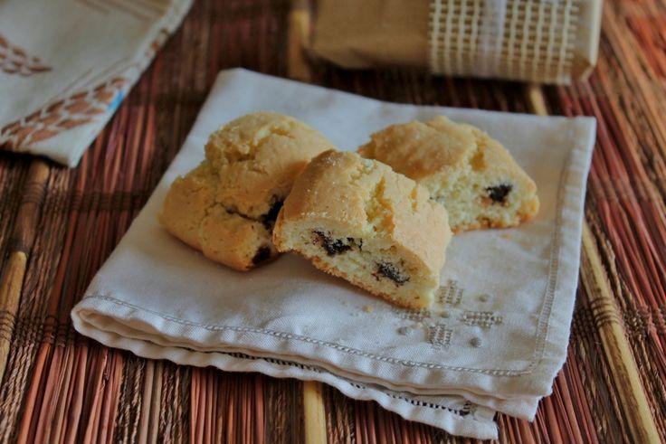 Paste tagliate ricetta pugliese, friabili biscotti perfetti per la colazione, spesso preparati in occasione del Natale, da farcire come preferite.
