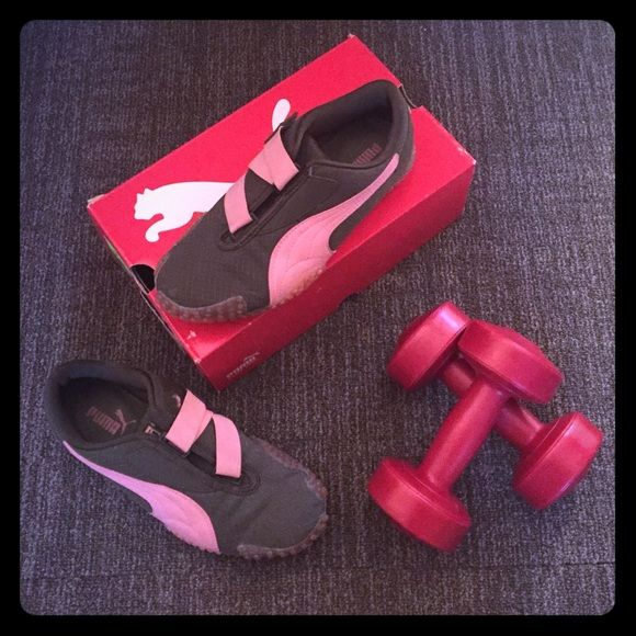 PUMA MOSTRO RIPSTOP OLIVE NIGHT BLACK & SEA PINK These puma sneakers are comfy and cute. Olive and Pink. In great condition. Soles are intact and great for working out. Has Velcro closure with sea pink puma logo. Puma Shoes