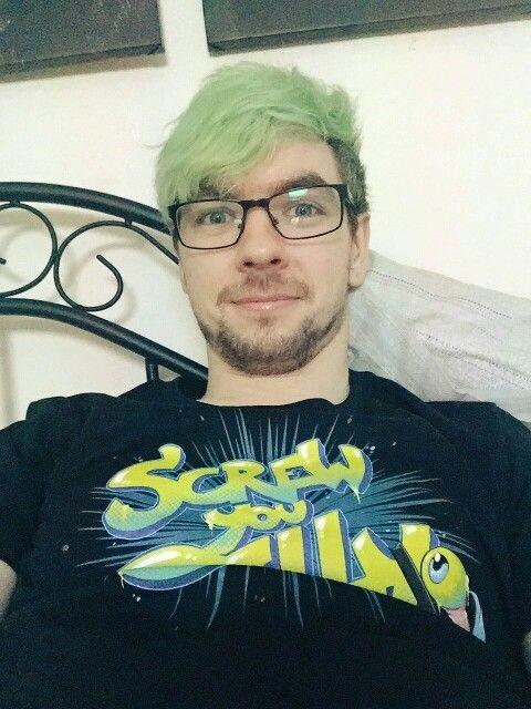 Jacksepticeye. I love him in glasses.