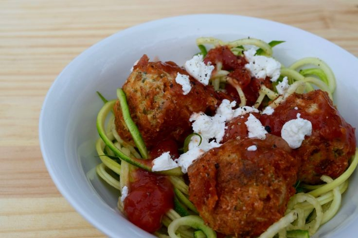 We all know that it's important to eat lots of veggies, but more often than not just don't manage to get enough in our diet each day. Vegetables provide us with many essential vitamins and minerals and contain phytochemicals and inflammation-fighting antioxidants that help put out 'fires' in our bodies. Get your greens in with Courgetti, enjoyed with Hidden Veggie Meatballs. YUM! #vegetablerecipes #tasteandseeblog #healthymeal #wholesomefood