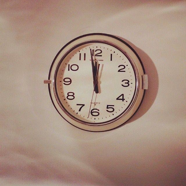 シンプルでお気に入り。 パシフィックファニチャーサービスの壁掛け時計。 #インテリア#時計#ナチュラル系#雑貨#パシフィックファニチャーサービス
