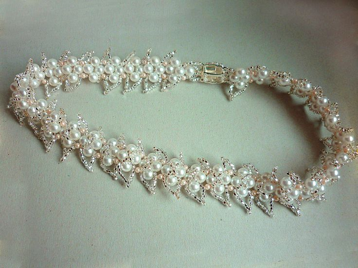 Free pattern for beautiful necklace Wedding Day. The author of pattern is Orna Volоh