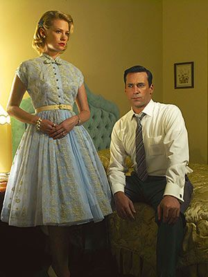 Google Image Result for http://hookedonhouses.net/wp-content/uploads/2011/06/Don-and-Betty-Draper-in-Mad-Men.jpg