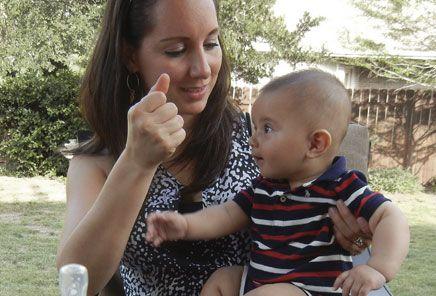 Curso y Herramientas de Estimulación Temprana para Mamás y Papás. Cursos de Masaje para Bebé, Lenguaje de Señas, Desarrollo Cognitivo, Motriz y Socio-Emocional.