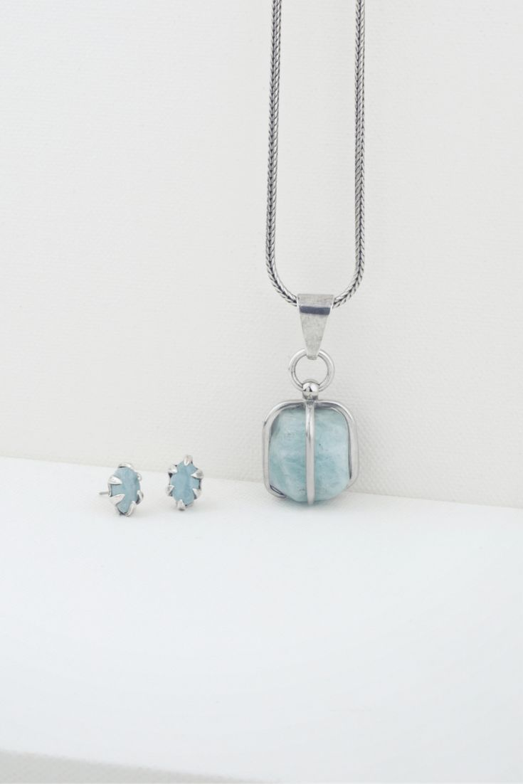 Did you know that aquamarine is used in meditation? It is a calming, soothing stone with healing properties. It inspires truth with oneself and gives quiet courage. Keep calm. Wear Miglio.