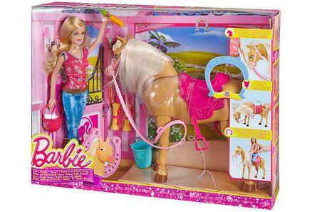 Barbie rakastaa hevosia, ja aivan erityisesti omaa kaunista tammaansa Tawnya. Barbie voi harjata ja hoitaa Tawnya sekä syöttää sille porkkanoita ja heinää. Kun Tawnya liikuttaa, se näyttää ravaavan oikeasti. Pakkaus sisältää myös tärkeitä tarvikkeita, kuten ratsastuskypärän ja satulan. Ikäsuositus yli 3-vuotiaille.