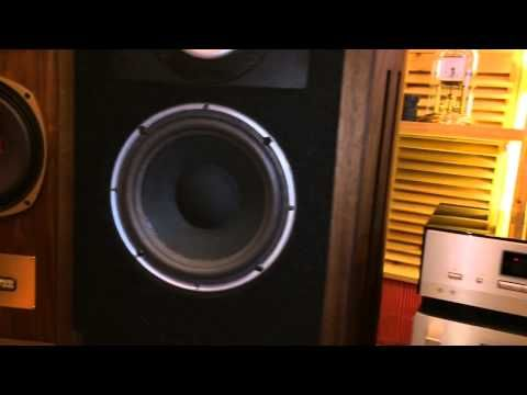 每次聽這歌的時候都有些感動,很有天堂的感覺, 不知他日是否這樣.. AR9 speaker driving by NAD 7020