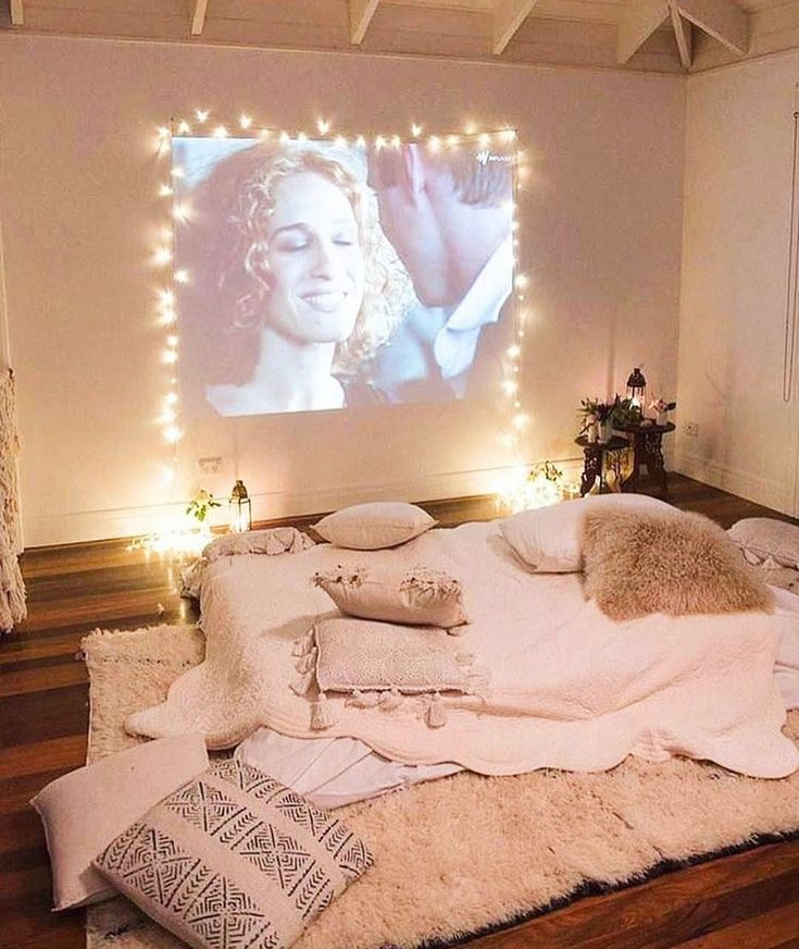 Fabulous Fabulously Transform Bedroom Decor for Romantic Retreat Astonishingly economical foremost room stylistic theme which will help change your own home into an extravagant, sentimental withdraw. With bunches of… , Sleepover Room, Fun Sleepover Ideas, Cozy Bedroom, Bedroom Decor, Bedroom Inspo, Projector In Bedroom, Hangout Room, Chill Room, Graphisches Design