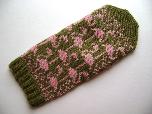 Flamingo Mittens - Would like the thumb to be the MC instead of stripes