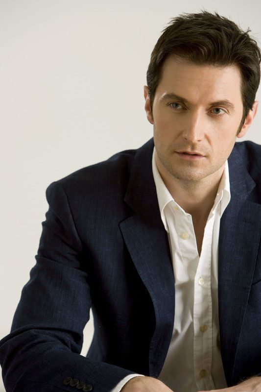 This man needs to be known as John Thornton and Thorin Oakenshield...oh wait, his real name's Richard Armitage? Well, that's not half bad either. <3 either way, I love him!