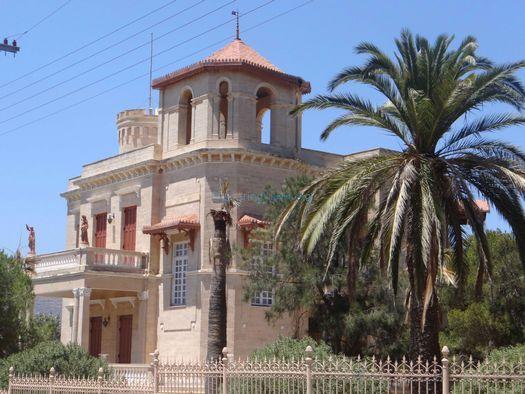 Αρχοντικό στην Ποσειδωνία