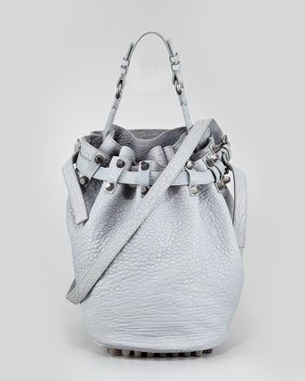 Love this color. Want this Bag! http://rstyle.me/n/crk2i4xw