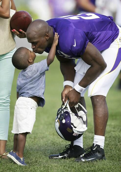 """@NFL4Christians NFL4Christians Peterson posted a statement on his Twitter account after news of his child's death.  """"Thank you to my family, my fans and fans of other teams for their support. The NFL is a fraternity of brothers and I am thankful for the tweets, phone calls and text messages from my fellow players. God Bless everyone and thank u so much,"""" Adrian Peterson #Christians #Support #Christians"""