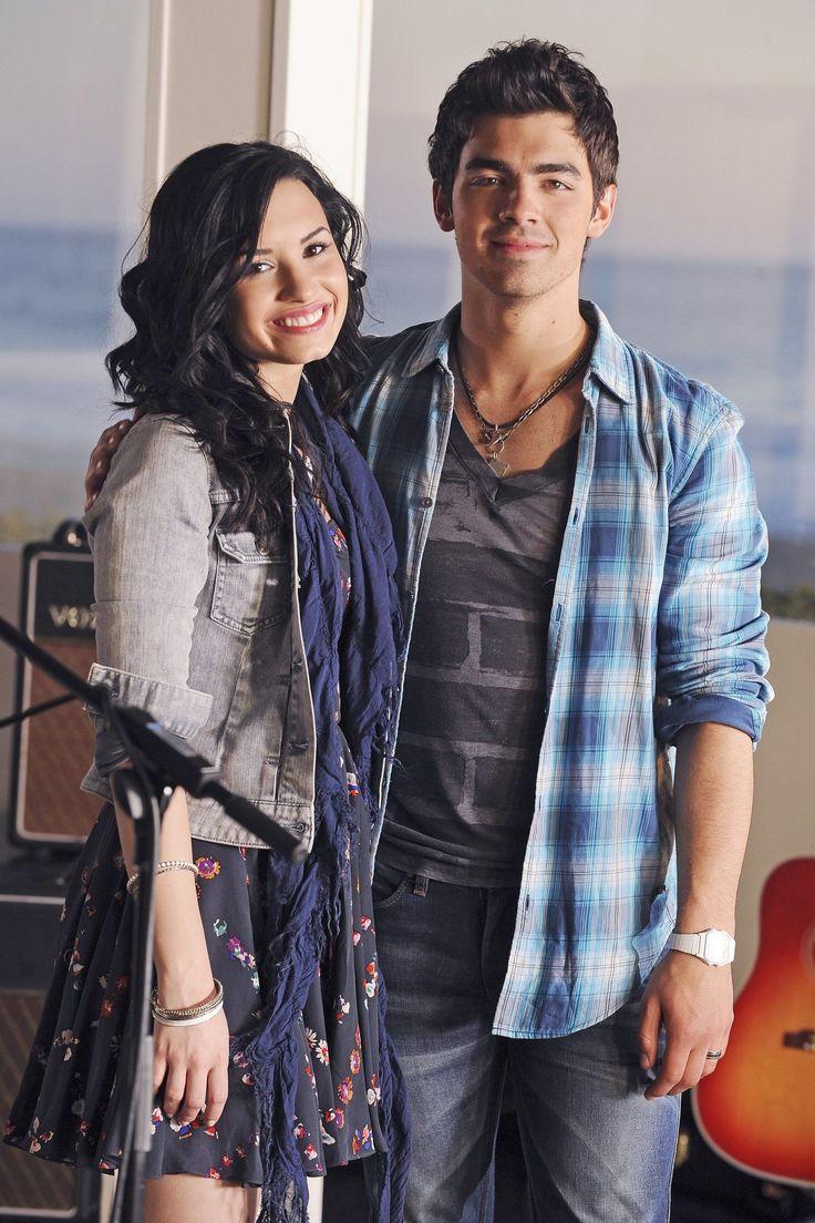 Watch Demi Lovato and Joe Jonas Singing Throwback 'Camp Rock' Songs