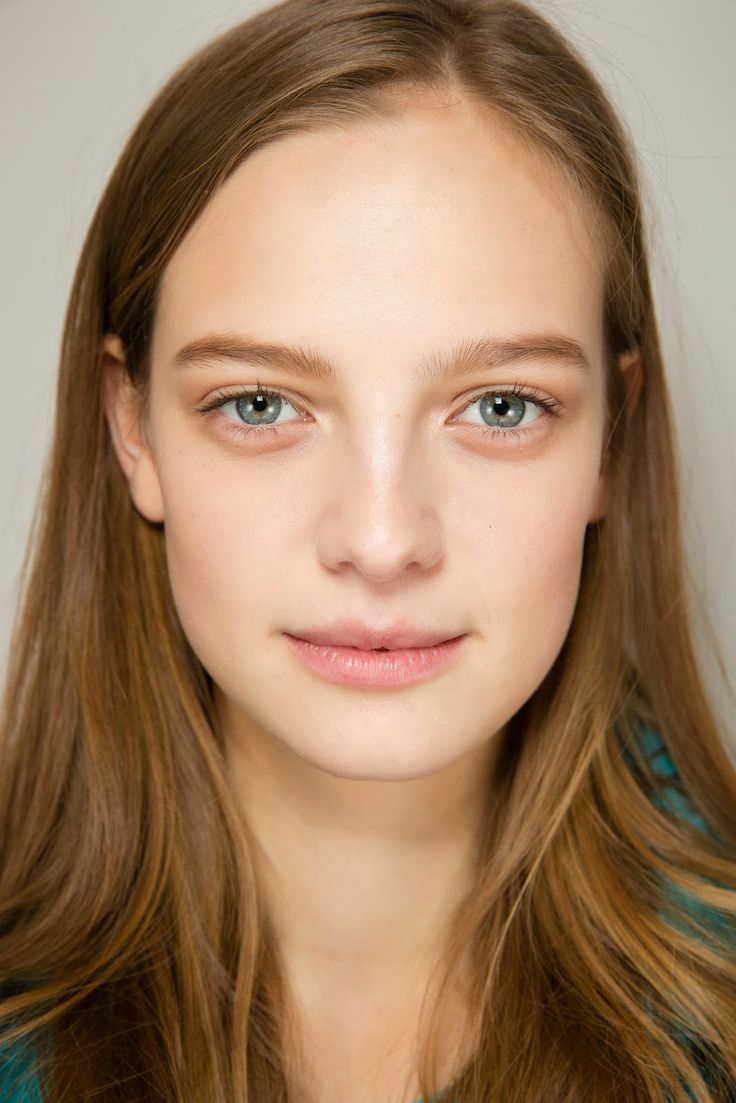 Photo of the cool mysterious  Ine Neefs from United States without makeup