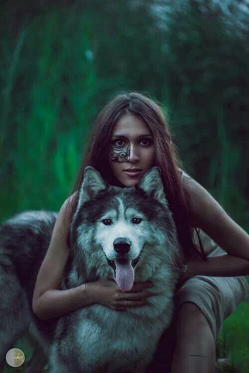 Eu tive muitos corpos Antes de conseguir uma forma agradável Eu fui uma gota no ar Eu fui uma estrela brilhante  Eu fui uma ponte para transpor Rio de três leitos Eu viajei como uma águia Eu fui um barco no mar.  Women who run with Wolfs: