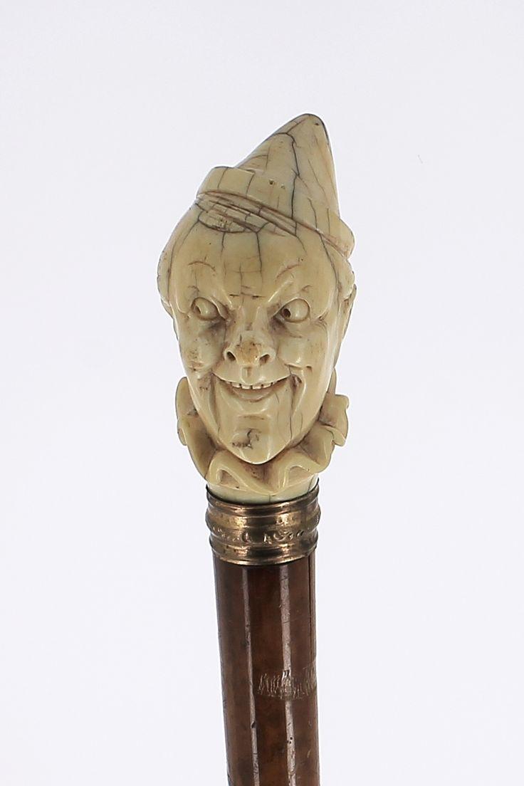 Canne ancienne du 19¨me si¨cle Poignée ivoire tªte de clown Ref102 Galerie Fayet