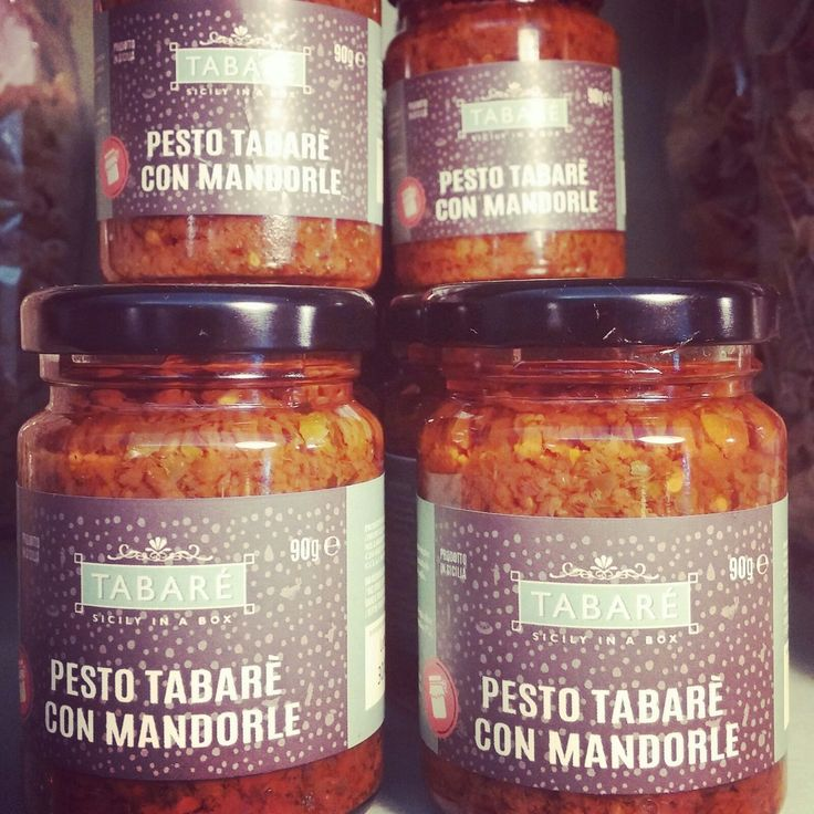 Red sicilian pesto Tabarè with almond grains. To spice up your pasta or original and delicious bruschettas. Try it also as dressing for white meat (chicken, fish, wild game meat). #sicily #pesto #condiment #sauce #pasta #sicilian #food #Almond #tabarè