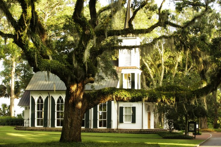 Palmetto Bluff Chapel is the perfect spot for a #southernwedding http://www.palmettobluff.com/
