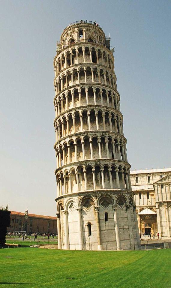 """Torre de pisa, uno de los principales """"monumentos"""" que simbolizan a Italia al igual que el Partenón a Grecia"""