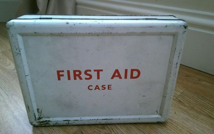 VINTAGE 1963 FIRST AID BOX WITH CONTENTS in Collectables, Memorabilia, Medical/ Nursing/ Red Cross | eBay!