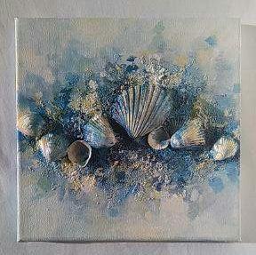 Abstract, acryl en mixed media canvas schilderij, Het heeft vele lagen en rijke texturen, Gemaakt met echte schelpen, stenen, zand, verf en vreugde van de zee :) Het verhaal begint met unieke georgeus schelpen die ik op het strand gevonden heb. Toen ik hen thuis met mij bracht, realiseerde ik me dat ze het doek tot leven - voor mij adembenemende brengen kunnen :) ** Verhaal uit de zee ** AFMETINGEN: 21 x 21 cm, 8.3 x 8.3 in MEDIUM: Louvre acrylverf, zand, schelpen, lijm fixatie gemaakt op...