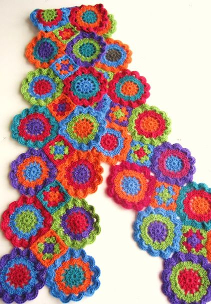 """Japanese Flowers or Japanske bloomster! pattern: Oppskrift på skjerf, heklet av """"Japanske blomster"""". Norwegian and sometimes hard to follow but the pictures clear up the confusion or just you-tube the stitch, that helped..."""
