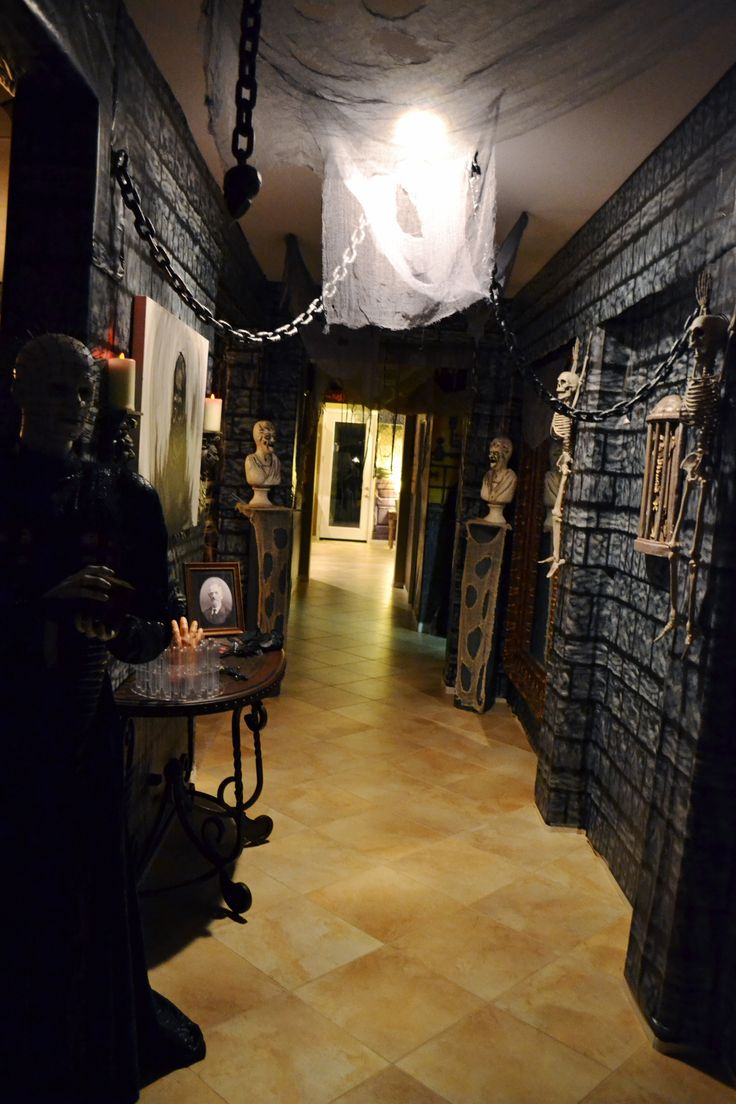 Best 25 haunted house decorations ideas on pinterest for Good themes for a haunted house